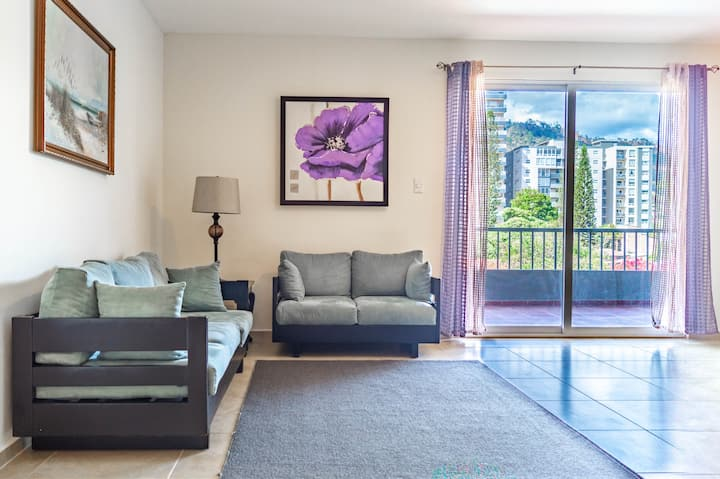Exclusive Centric 2bdrm Apt - POOL&VIEWS Equipped