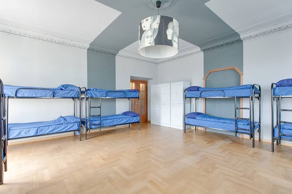 12-bed Mixed Dormitory Room