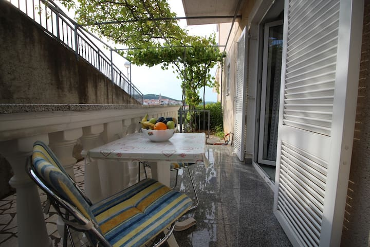 Apartment Marko with view of Vrbnik old town