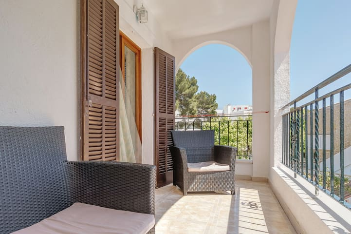 Beautiful Holiday Apartment La Cabanya with 1 Bedroom, Wi-Fi, Balcony, Terrace & Shared Pool; Street Parking Available