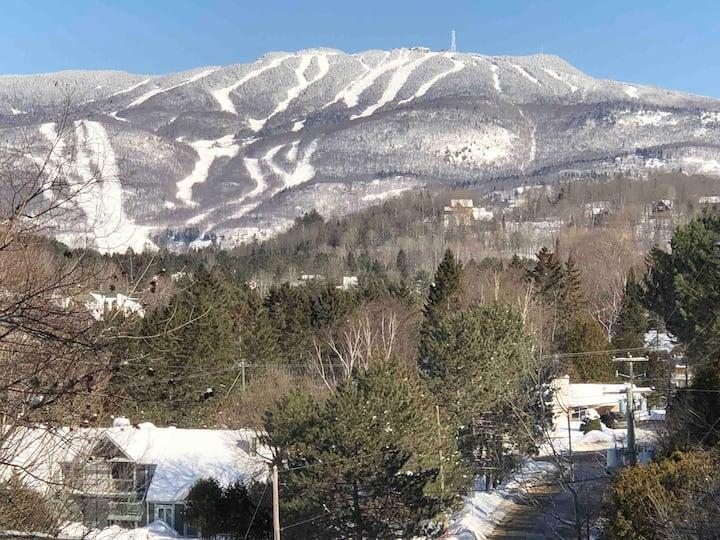 Studio105: Ski Tremblant, 5 min to mountain!