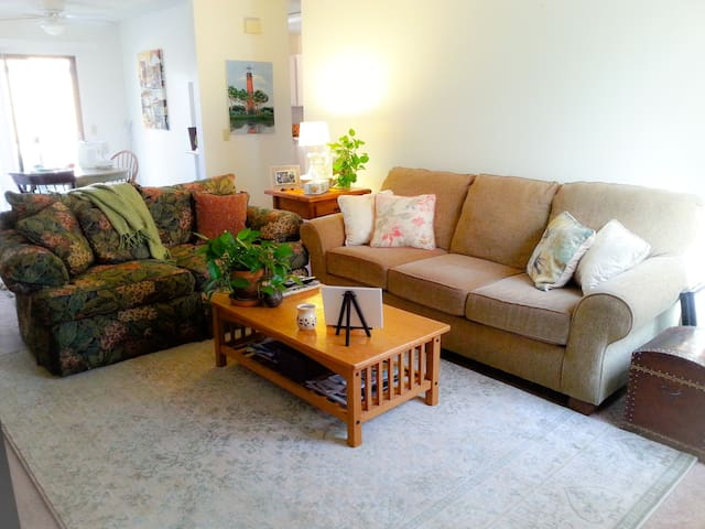 Comfy, kid friendly private room in wine country - Atascadero