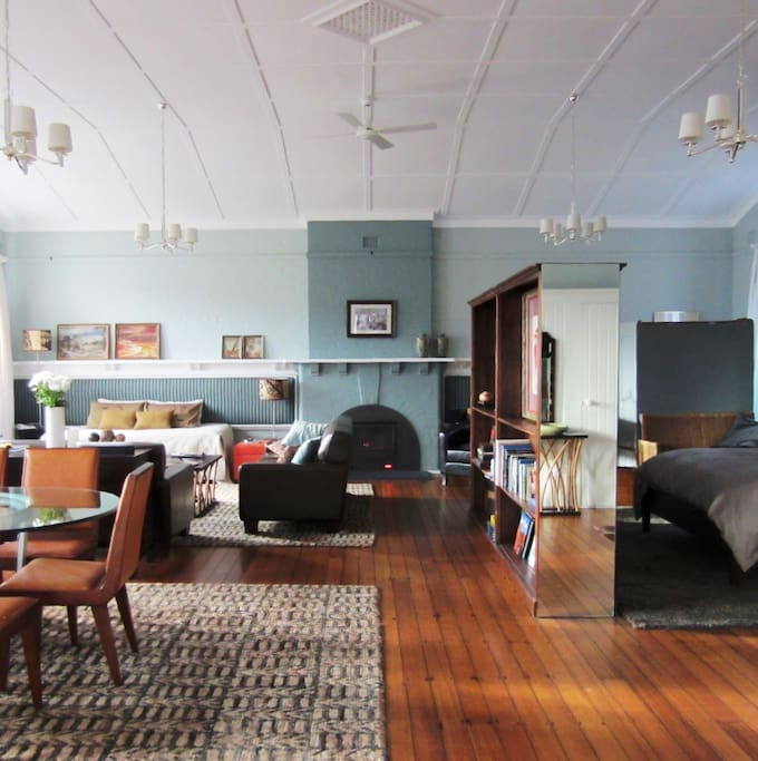 Sunday school north hobart houses for rent in north for Best private dining rooms hobart
