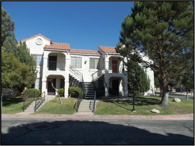 beautiful condo for short term rent - Palmdale - Apartment