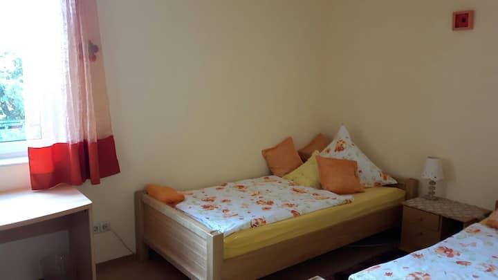 Hotel Mama EG
