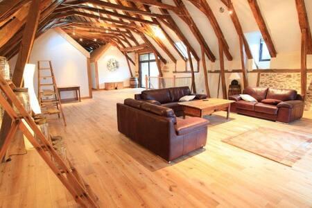 nice house of 15 pers swimming pool - La Chapelle-Saint-Géraud - Casa