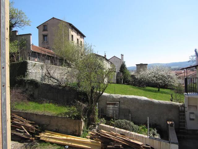 Charmante maison de ville courte ou longue durée - Saint-Étienne - Hus