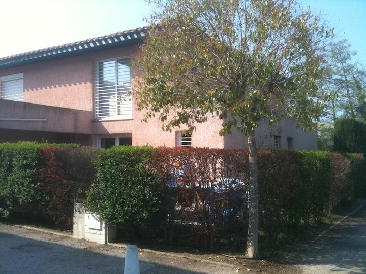 Villa F3 piscine résidence sécurisé