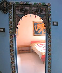 Bhadra Kali Guest House (without Airconditioning) - Varanasi - Bed & Breakfast