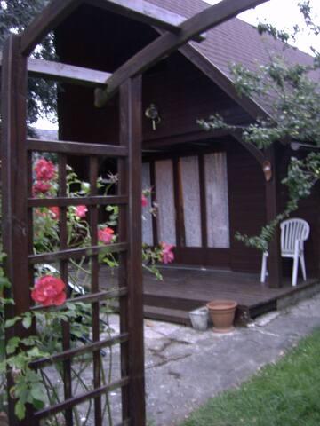 Chalet avec piscine, tennis,... - Cabourg - Ház