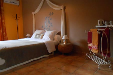 Chambre double en Pays Cathare - Belvianes-et-Cavirac