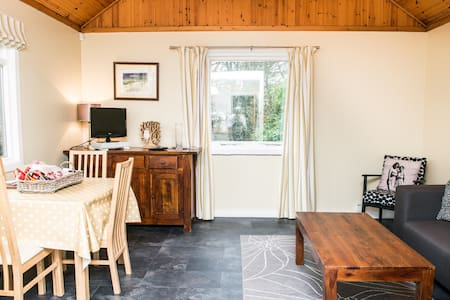 Creity Hall Chalet - Self Catering - Stirling - Cabin
