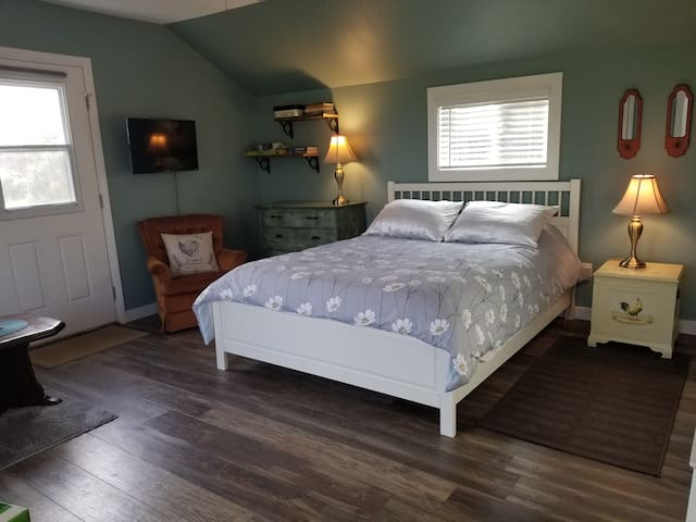 Cotati Coop - Wine Country Cottage near SSU