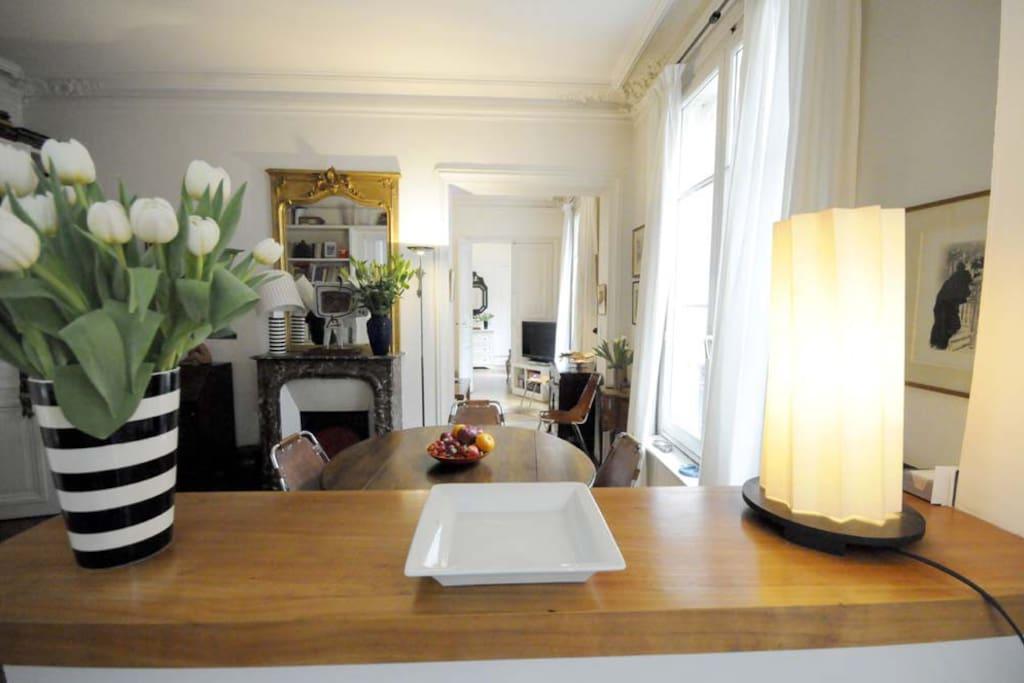 appartement en enfilade ,vue de la cuisine