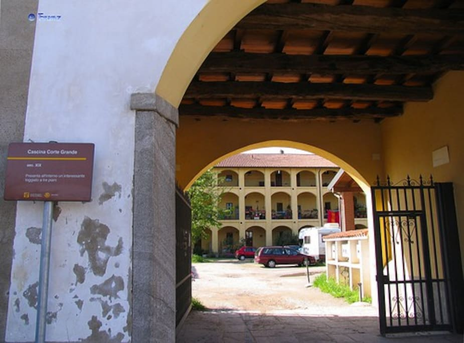 entrance in the courtyard