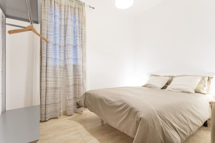 Great location downtown bcn - Barcelona - Bed & Breakfast