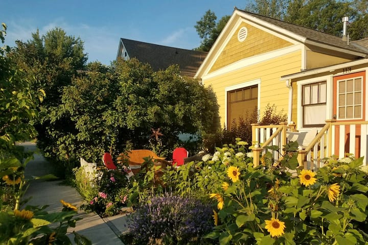 SoBo Cottage. Easy Downtown Living.