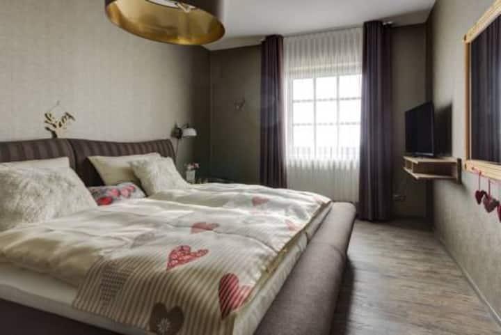 Hotel Sportalm Gipfelglück, (Lüdenscheid), Zwei-Raum-Suite, 35qm, 1 Schlafzimmer, 1 Wohn-/Schlafraum, max. 4 Personen