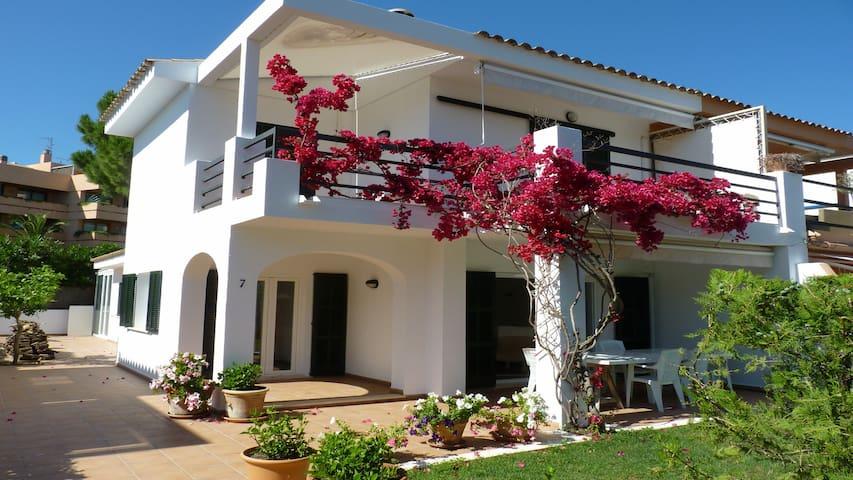 Moderne Doppelhaushälfte am Meer , Top Ausstattung - Son Servera - Hus