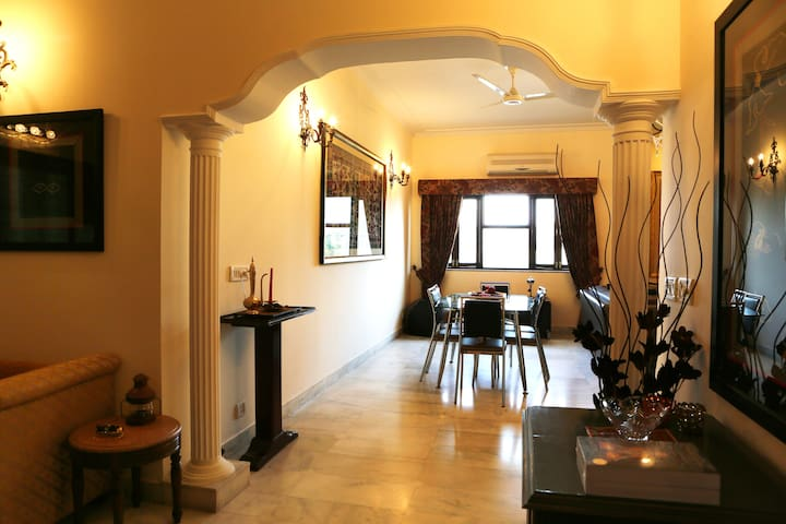 Luxury 3BD Apt in South Delhi