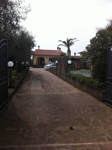 Camere in villa - Velletri - Casa