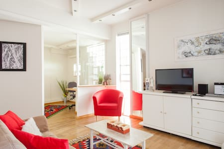A quiet apartment in a garden  - Kifisia - Huoneisto