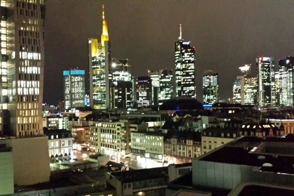 Thats the view of the living room. It is in the city centre next to hauptwache.