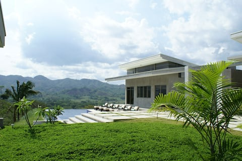 Casa Las Nubes - Home in the Clouds
