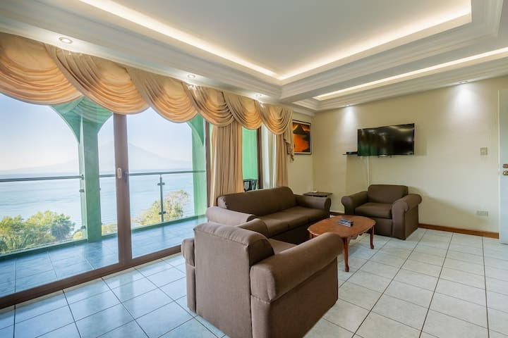 2-Bd/6 GREATE VIEW OF THE LAKE, TORRES DE ATITLAN