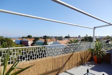 T1 com Terraço Junto à Praia - Oeiras - Apartment