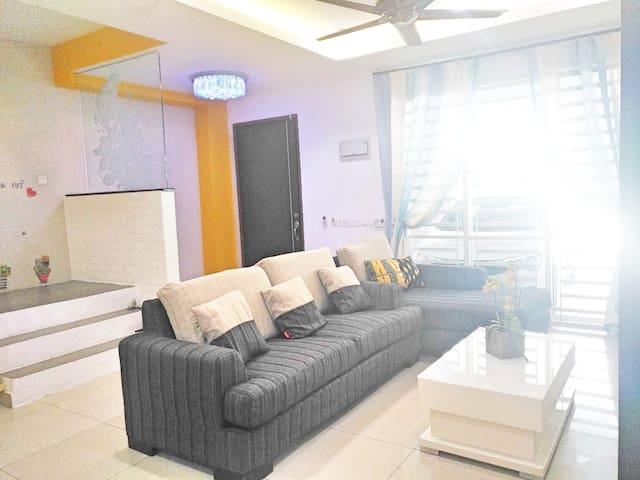 BM Alma@HappyHome NewReno 2Storey House Near Jucso