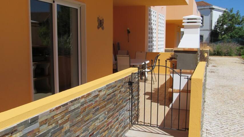 Casa Rhojo poolside apartment with free wi fi