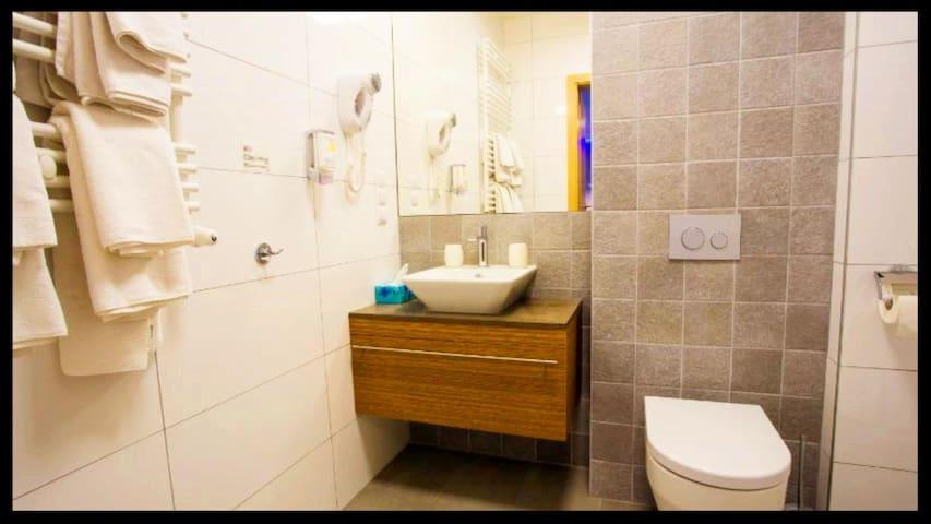 Hubska Apartments 54