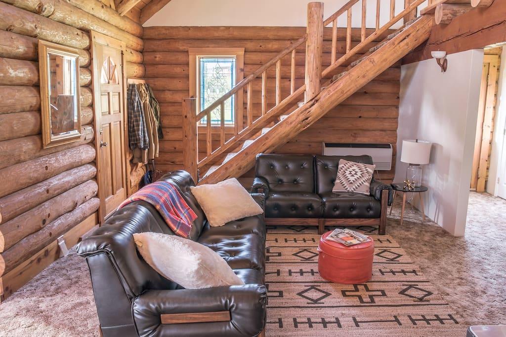 Beautiful Sugar-Pine log interior.