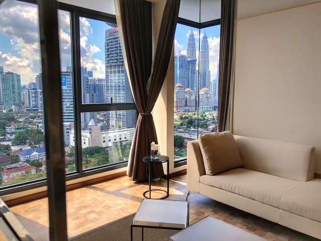 Classy Two Bedrooms Apartment at KLCC
