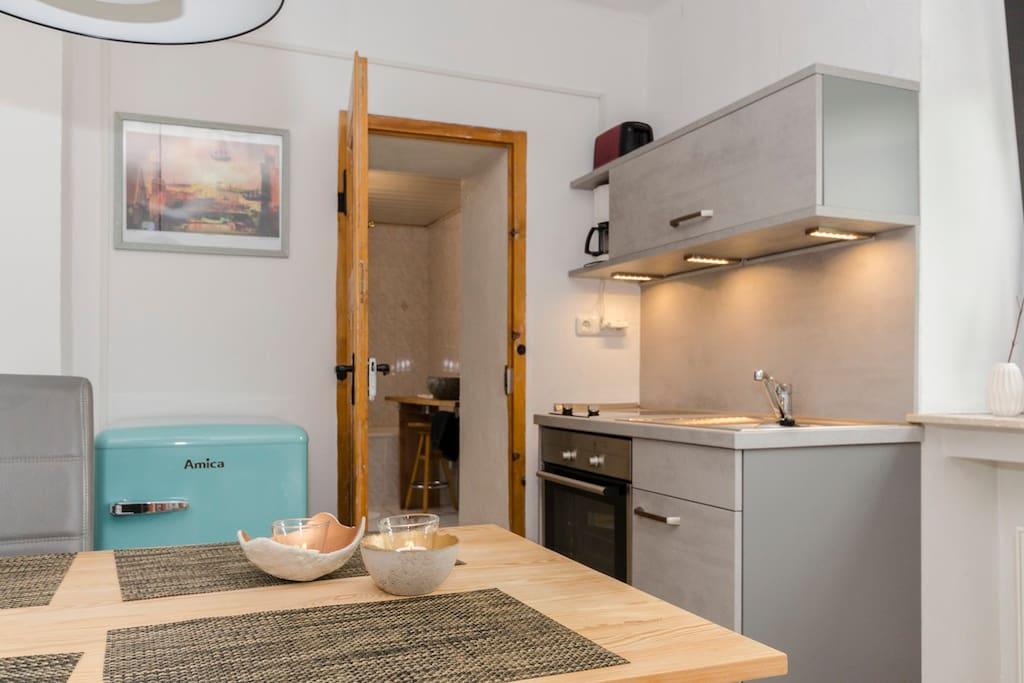 neue moderne Küche in Betonoptik