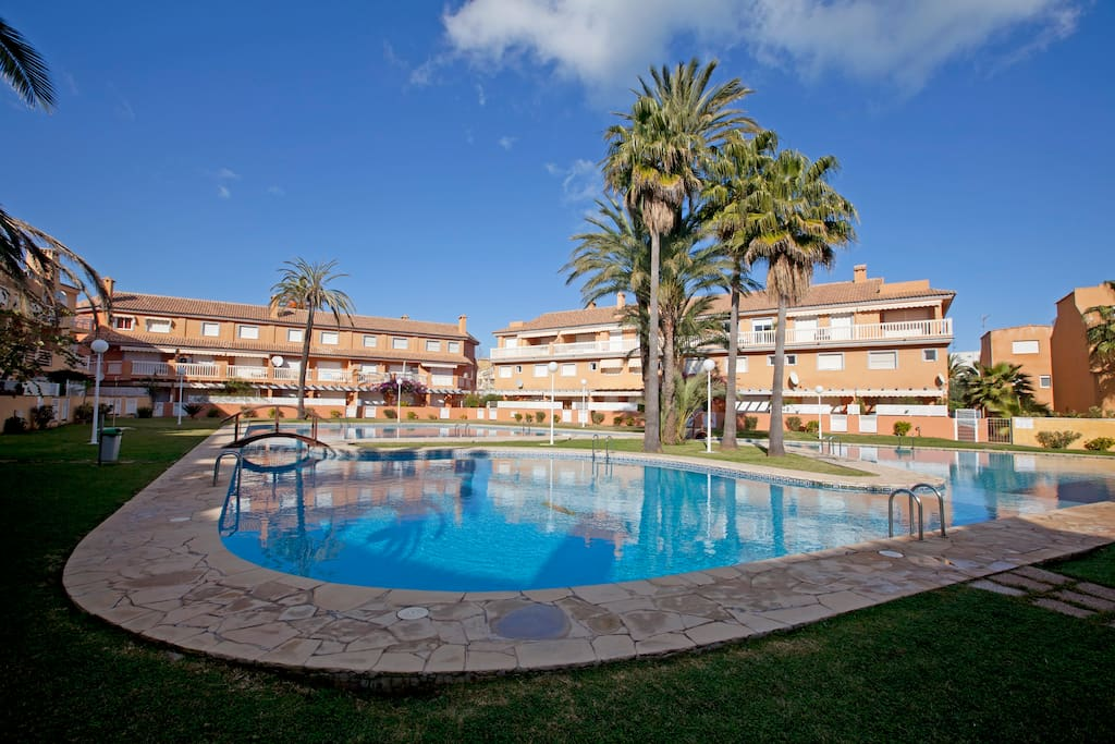 Apartment, 5 mins walk to the Beach