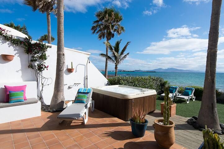 Casazep - Luxury Oceanfront Villa - La Oliva - Villa