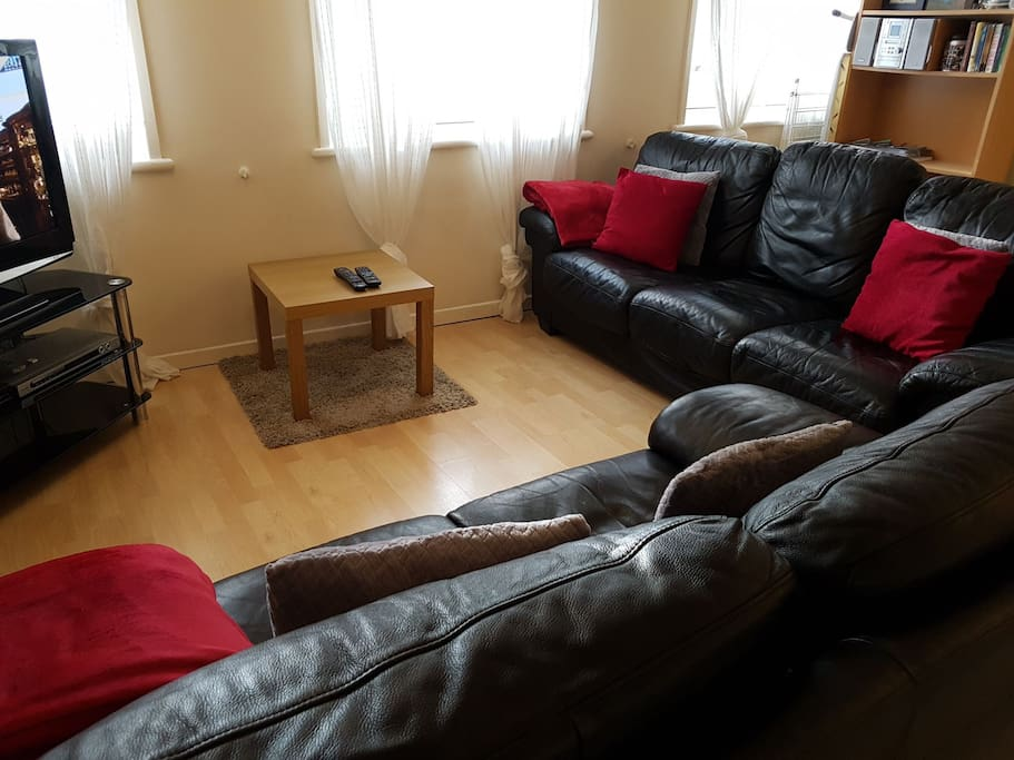 Sitting/TV area