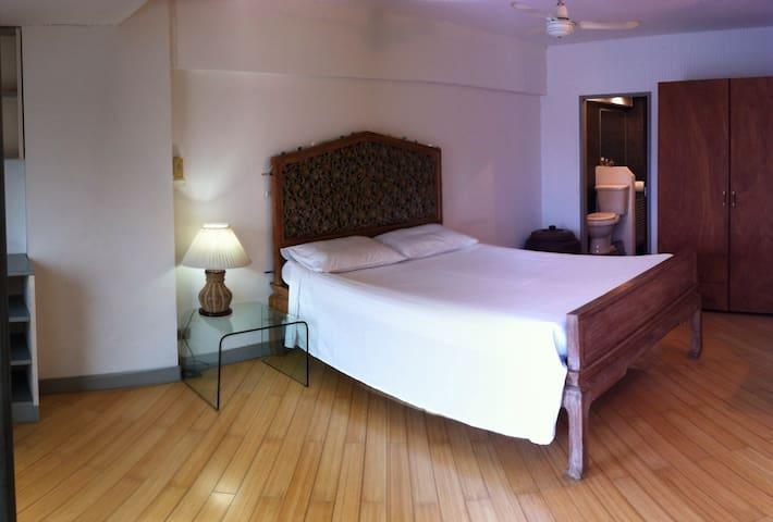 50sqm Chic Condo Near Khao Sarn Rd - Banguecoque - Apartamento