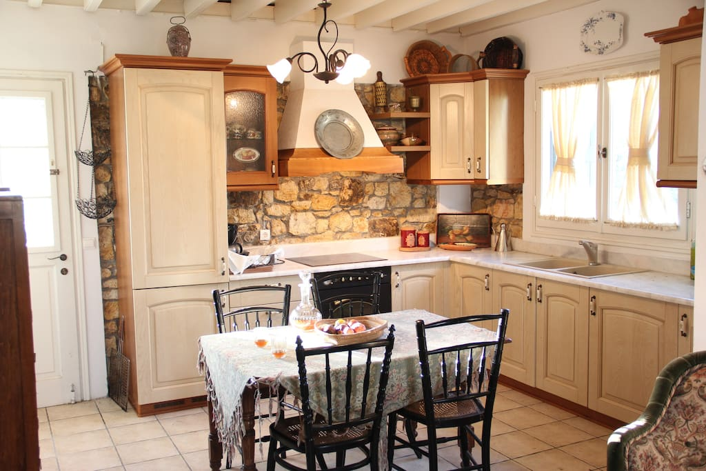 Our traditionally furnished and fully equiped kitchen