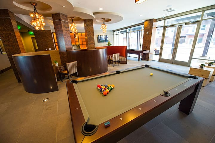 New Luxury Apartment Bed and Bath - Centennial - Lägenhet