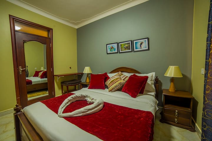 Greens Guest Homes, Mutungo-Kigo DELUXE ROOM