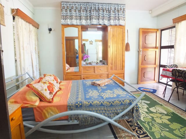 Lovely, spacious house in Suva!