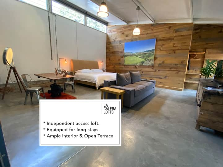 Ample Central Loft + Sanitized + Fast WiFi