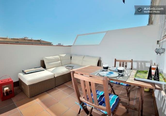 GRAND STUDIO CENTRAL AVEC TERRASSE - Sitges