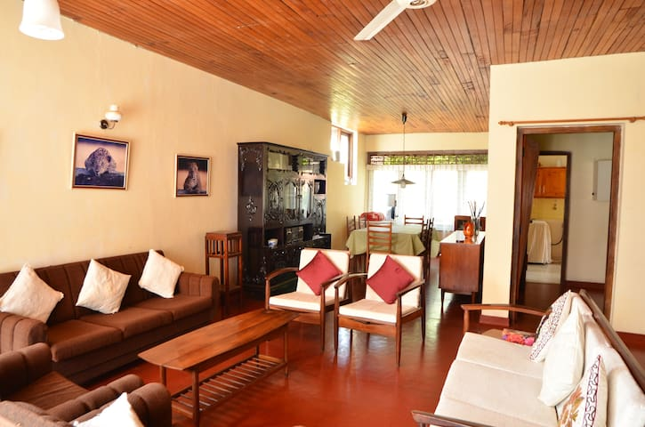 Two Roomed Furnished Apartment - Colombo 5 - Lägenhet