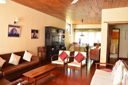 Colombo 5 - Two Bed Room - Furnished Apartment