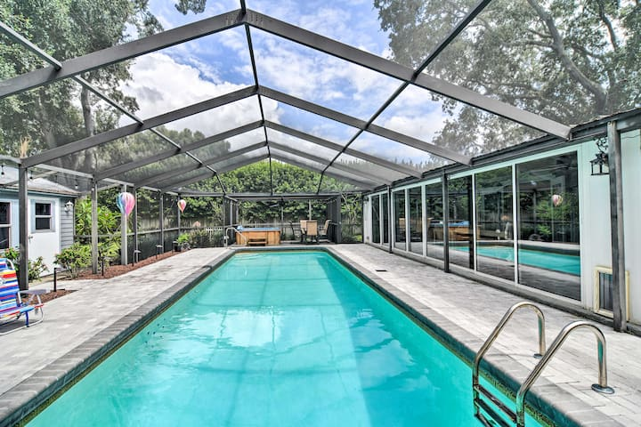 Clearwater Home w/Hot Tub+Patio, 9mi to Beach