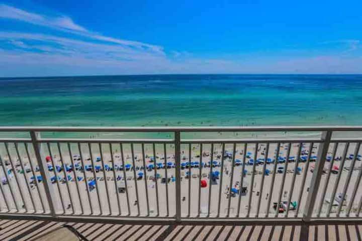 Beachfront 18th floor/Emerald Beach Resort